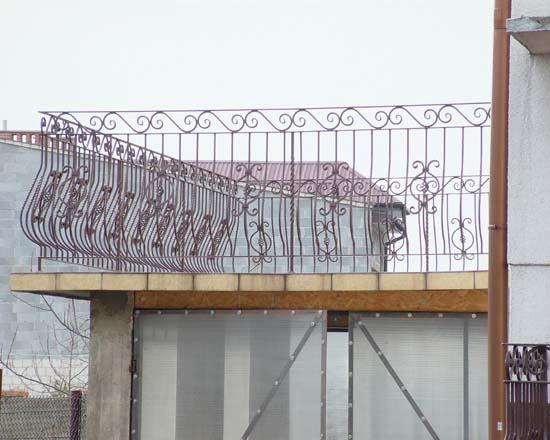 Iron railing 16